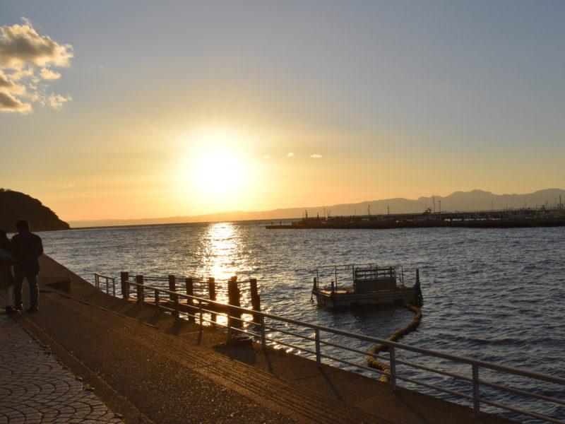 夕日江の島